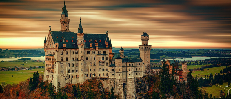 Ein Schloss, eine Fabrikhalle oder doch ein Zelt ?